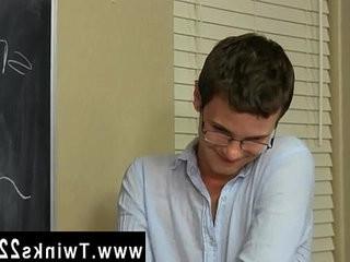 Gay emo blow job movies Timo Garrett gives his teacher Julian Smiles