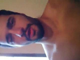 Brasileiro Gostosinho Metendo no Rabo do Veado se Exibindo na Cam