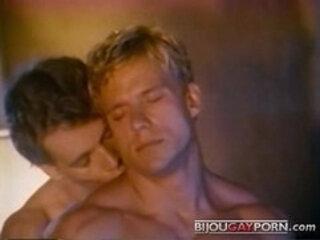 Johnny Dawes fucks Eric Stryker Vintage Gay Porn KNOCKOUT 1983